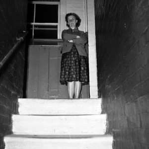 Box camera neg  mum on the steps leading up tp 118 Victoria Dwellings035