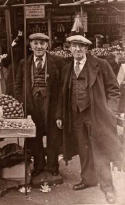 Solomon & Joseph Mekelburg at Solomon's stall in Goulston Street c1940