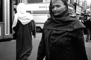 Whitechapel-Rd,-observing