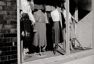 WINDOW. E.16-82