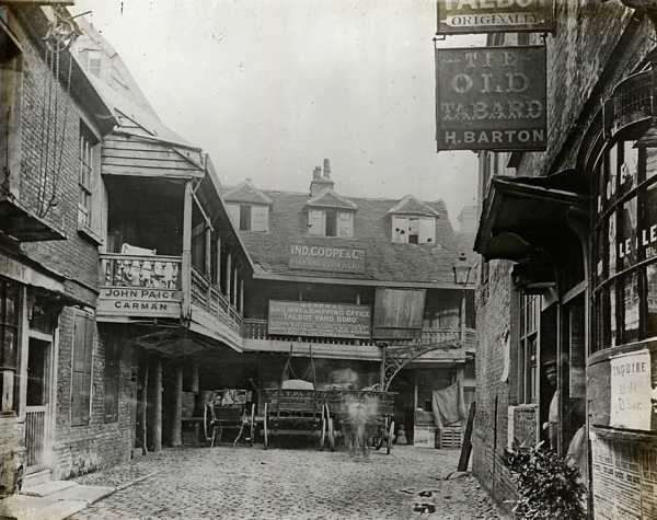 The pubs of old london spitalfields life for Classic house old street london