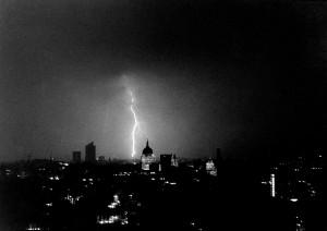 img167.jpg Lightning. St Pauls copy