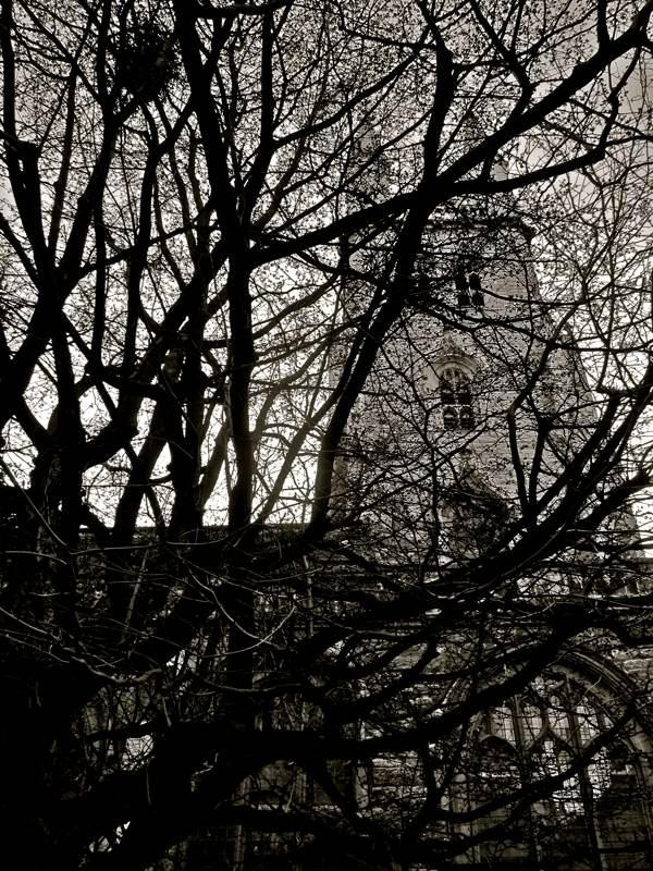 Таинственные черно-белые фотографии церквей в Лондон Сити фото 10