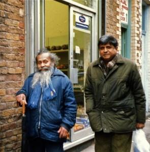 Jasinghe Ranamnkadewa (bearded), Brick Lane, Mar 1988