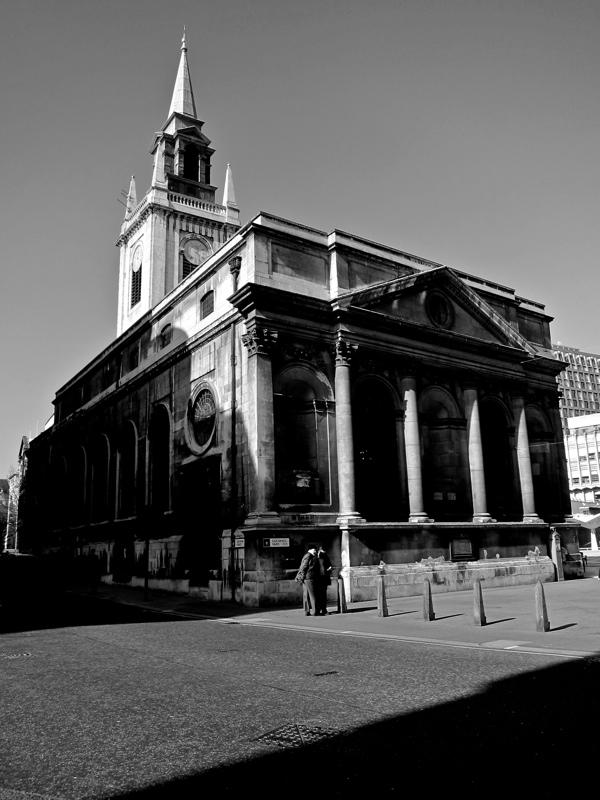 Таинственные черно-белые фотографии церквей в Лондон Сити фото 16