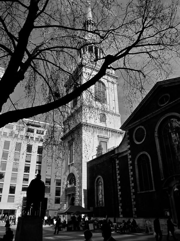 Таинственные черно-белые фотографии церквей в Лондон Сити фото 17