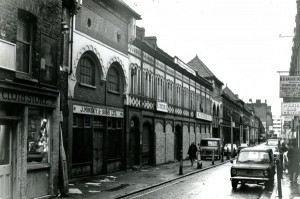 P03137 Fashion Street c.1965