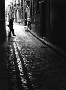 1-04 - Alley off Whitechapel High Street, 1970s