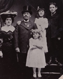 Morris_with_family and sisters (morris on the right)
