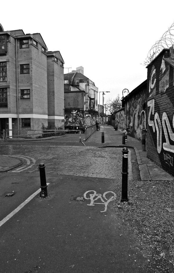Shoreditch Station: In Search Of Val Perrin's Brick Lane